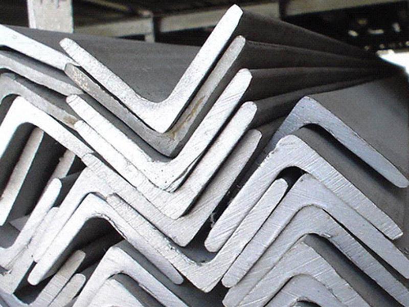металлические уголки