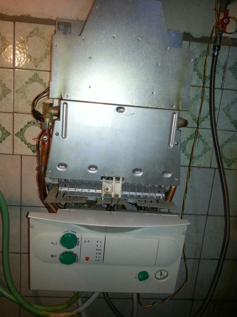 Ремонт газового котла Vaillant, промывка теплообменника