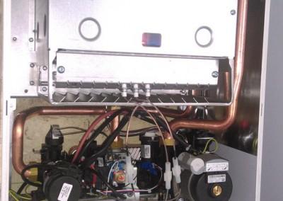 Монтаж настенного двухконтурного котла Electrolux GCB 24 Quantum I