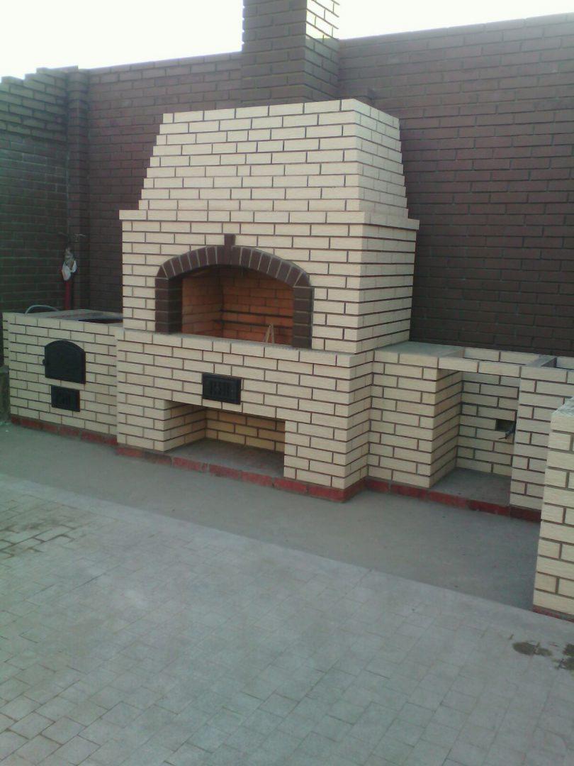 Кладка барбекю из кирпича, Поселок Алтан — 02.06.2015